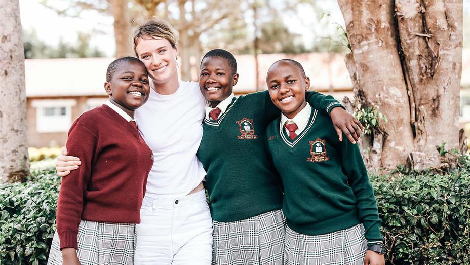 Mackenzie Davis - scholarship benefit - One Girl Can Publicity -H 2020