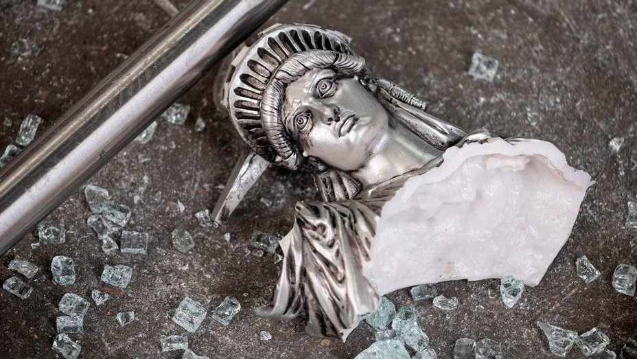 Broken Statue of Liberty Outside Looted Souvenir Shop in NYC - H Getty 2020