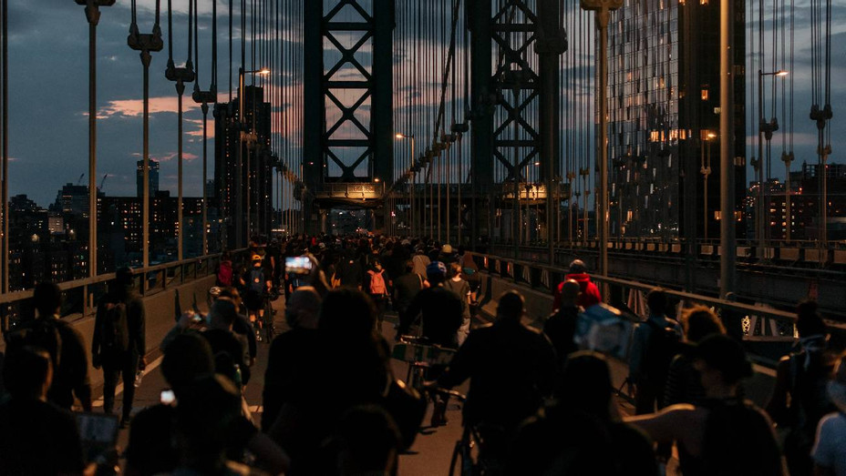 Protesters March Over Manhattan Bridge After Curfew on June 2, 2020 in NYC - H Getty 2020