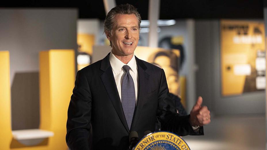 Governor Gavin Newsom 3 - June 18 2020- Publicity -H 2020