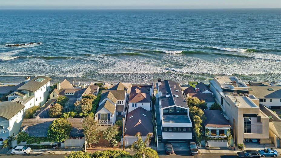 Malibu's Summer Rental Rates Soar-109 Malibu Colony-Publicity - H 2020