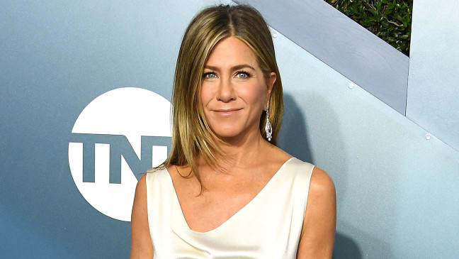 "Jennifer Aniston Endorses Joe Biden, Says Voting for Kanye West ""Not Funny"""
