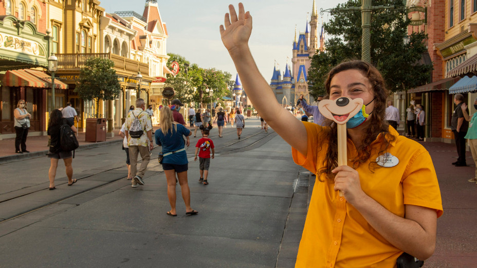 Disney World Reopens to Crowds - Getty - H 2020