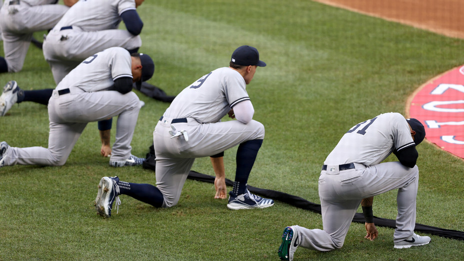 New York Yankees Kneel - Getty - H 2020