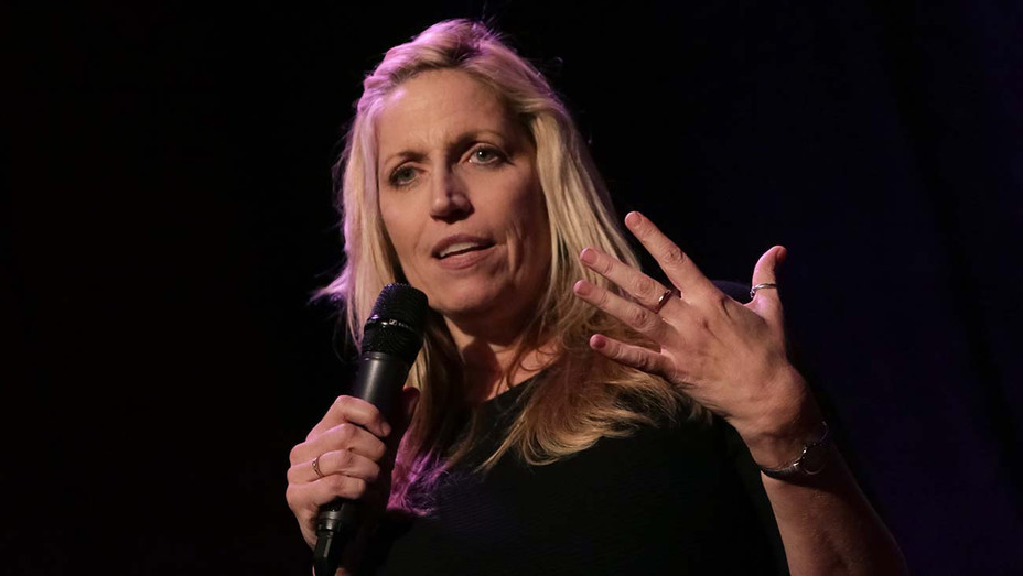 Laurie Kilmartin performs on stage - October 17, 2016 - Getty -H 2020