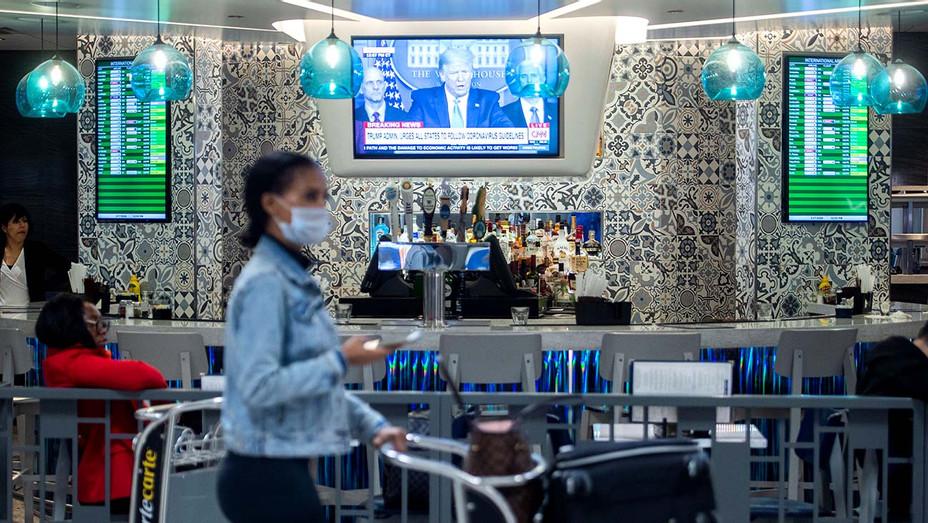 TV - bar- corona virus - Getty - H 2020