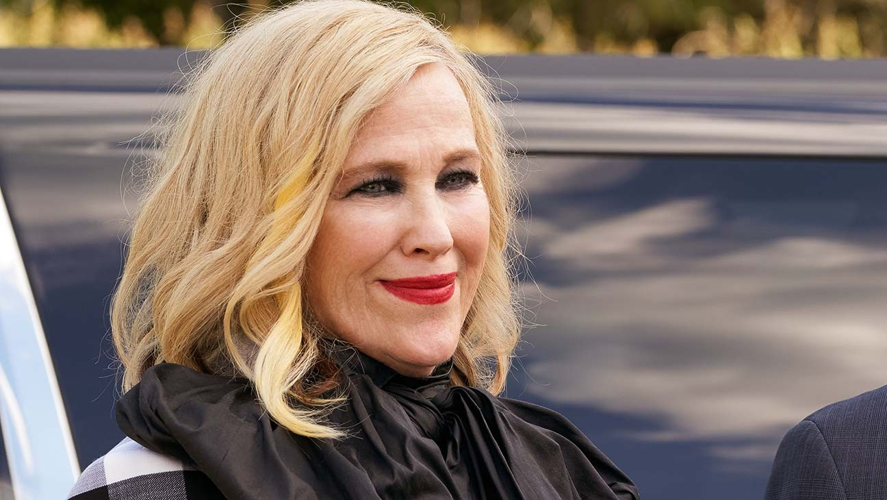 Emmys: Catherine O'Hara Thanks Eugene and Dan Levy During Comedy Actress Win
