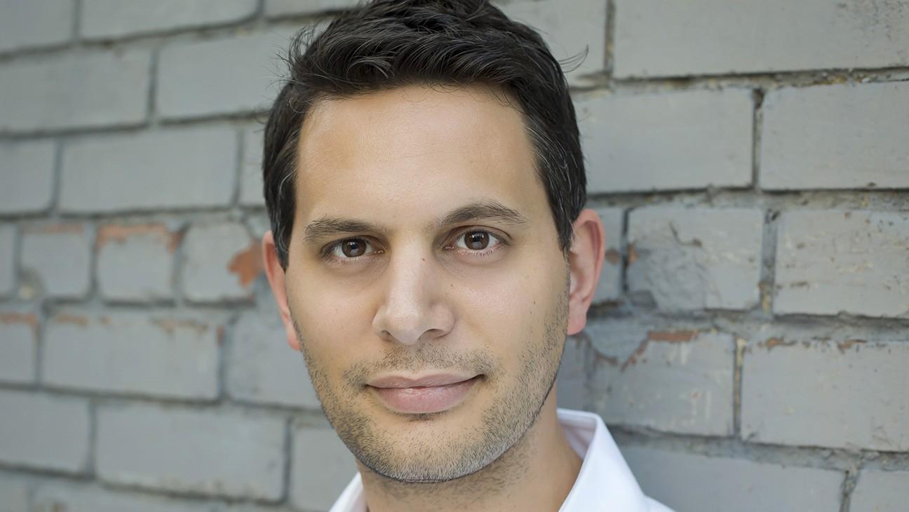 Toronto: Oscar-Nominated Director Adam Benzine at Work on U.S. COVID-19 Crisis Doc 'The Curve'