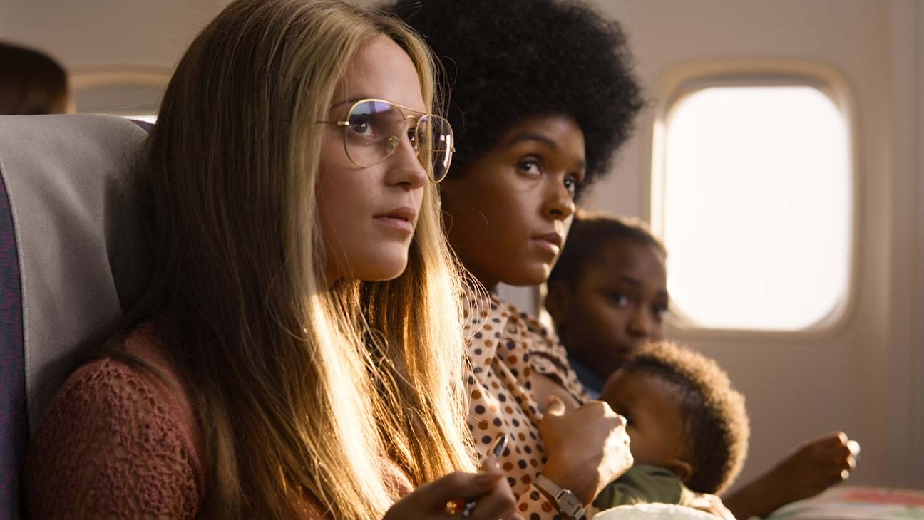 'The Glorias' Trailer: Julianne Moore and Alicia Vikander Are Feminist Firebrands in Gloria Steinem Biopic
