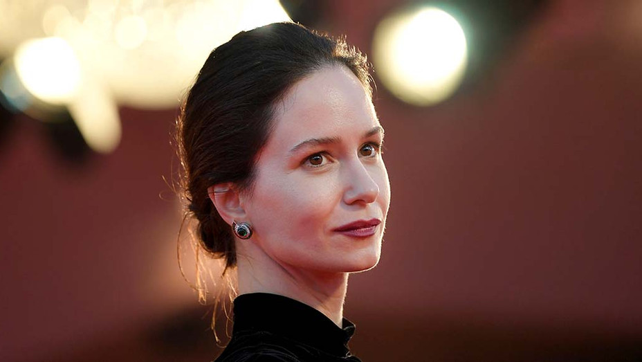 Katherine Waterston on 'The World to Come' Venice Premiere and HBO's Ambitious 'The Third Day'
