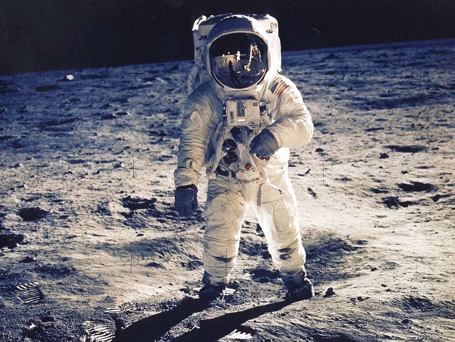 'Awards Chatter' Podcast — Buzz Aldrin ('Apollo 11')