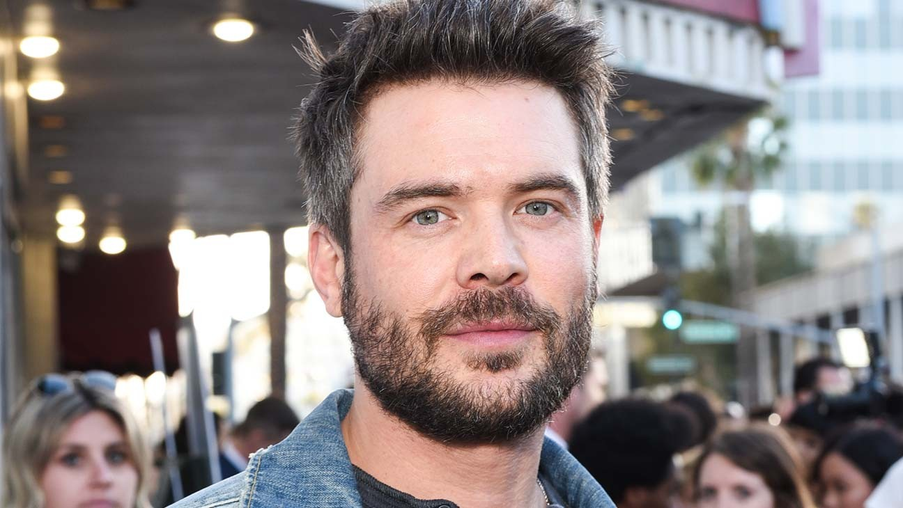 Charlie Weber Signs With APA (Exclusive)