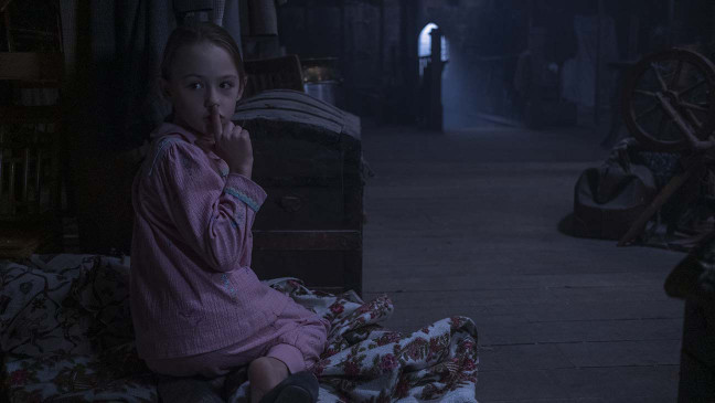 How 'The Haunting of Bly Manor' Creator Mike Flanagan Plays with Time