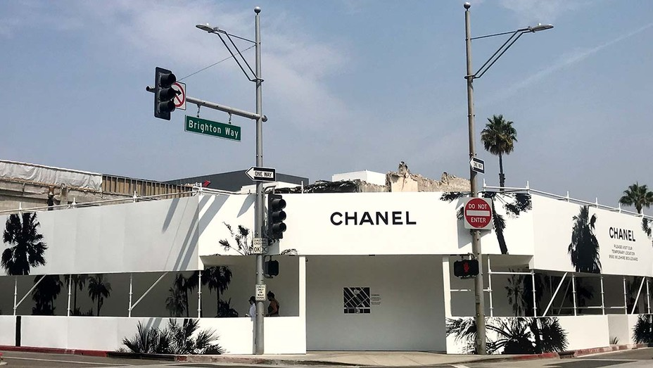 L.A. TOP SHOPPING STREETS-Chanel