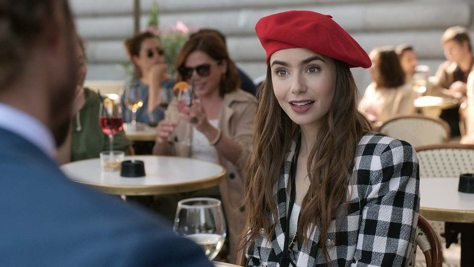 EMILY IN PARIS -LILY COLLINS