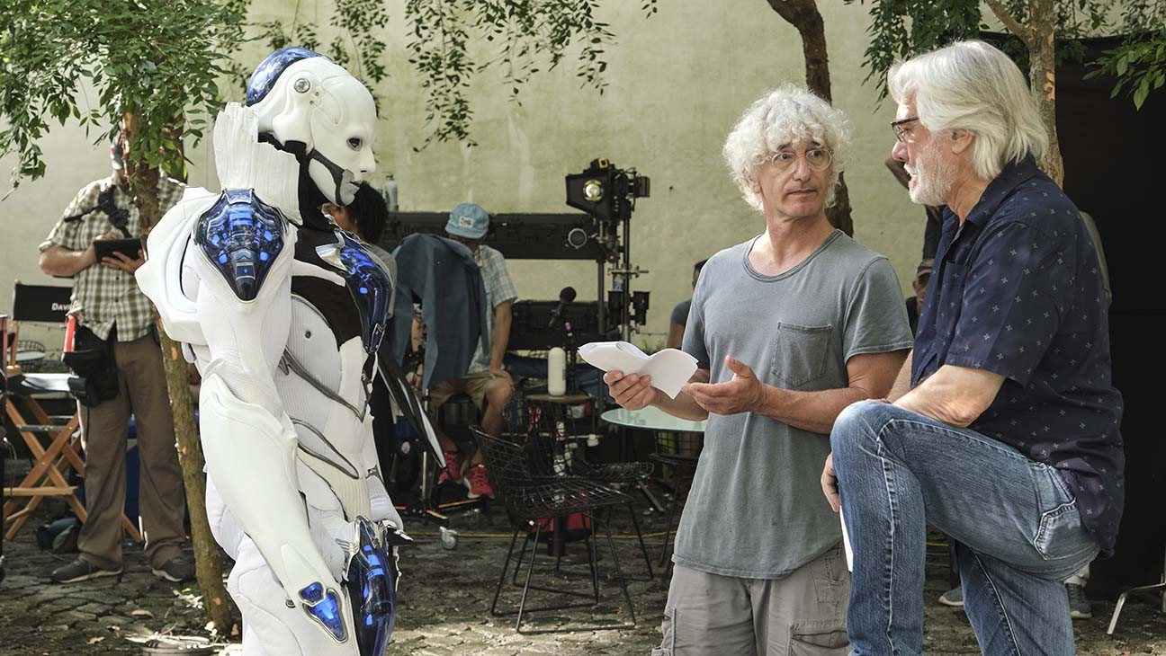 BILL UND TED FACE THE MUSIC - Anthony Carrigan am Set - Publicity-H 2020