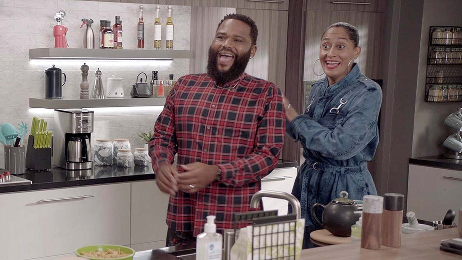 BLACK-ISH - Hero Pizza -ANTHONY ANDERSON, TRACEE ELLIS ROSS
