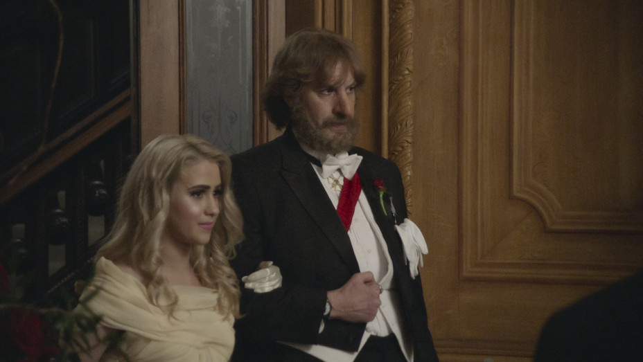 Borat Subsequent Moviefilm Still - Maria Bakalova and Sacha Baron Cohen - Publicity - H - 2020