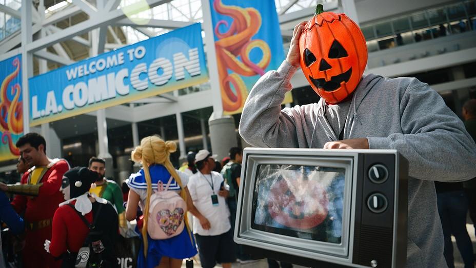 2019 Los Angeles Comic-Con - Getty - H - 2020