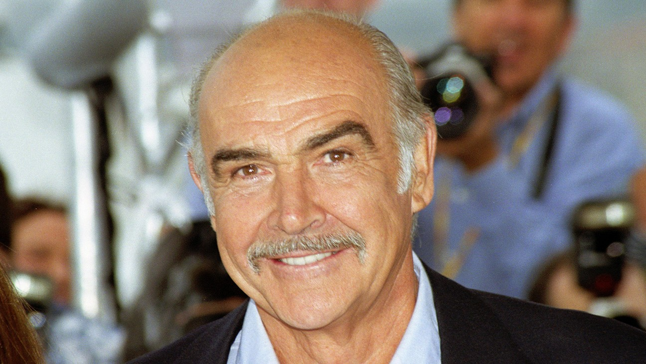 """Michael Bay Pens Tribute to Sean Connery and His """"James Bond Smile"""" of Approval"""