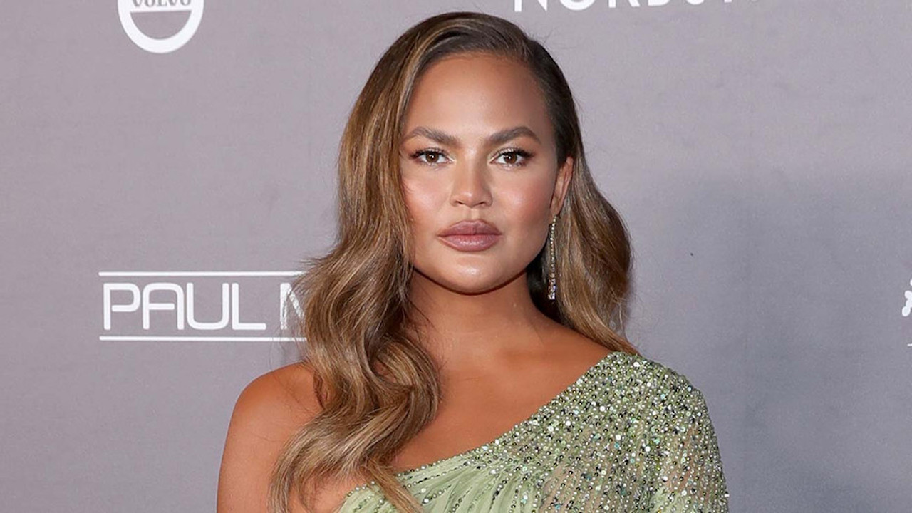 Chrissy Teigen Loses Baby After Pregnancy Complications  | THR News