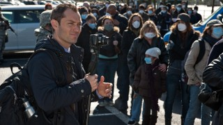 Jude Law Was Warned While Filming 'Contagion' That a Similar Pandemic Was Inevitable