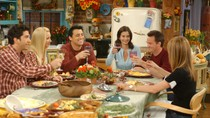 Courteney Cox Re-creates 'Friends' Turkey Head Dance