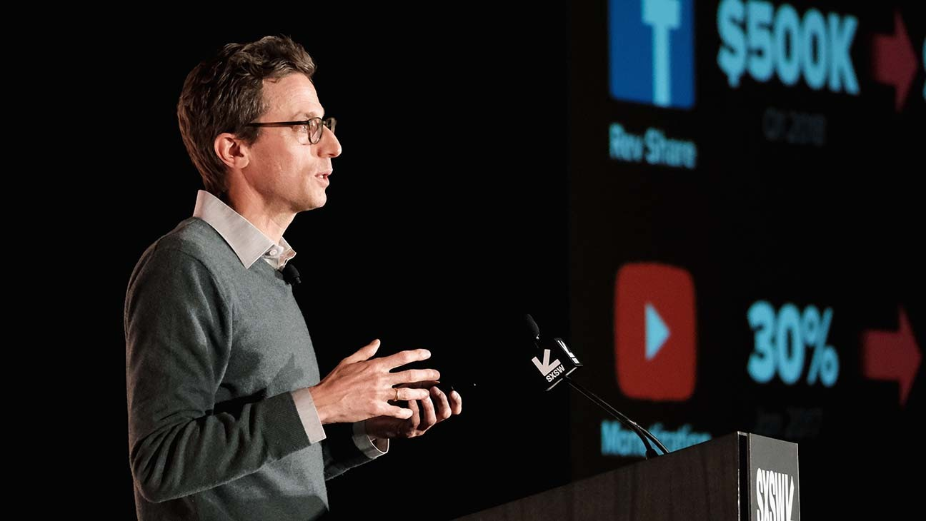 BuzzFeed Acquiring HuffPost In Verizon Deal
