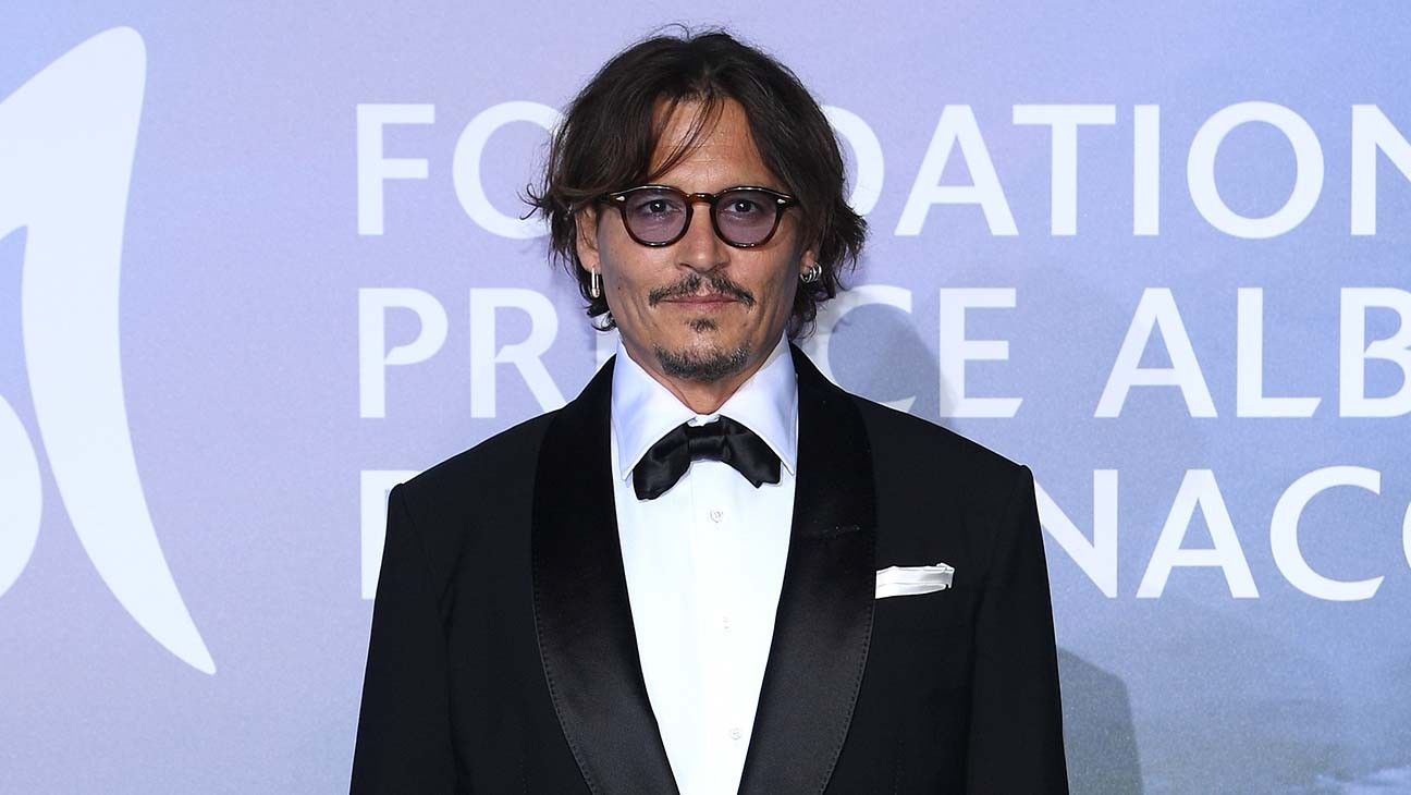 """Johnny Depp Must Face Ex's Libel Suit After His Attorney Declared """"Hoax"""""""