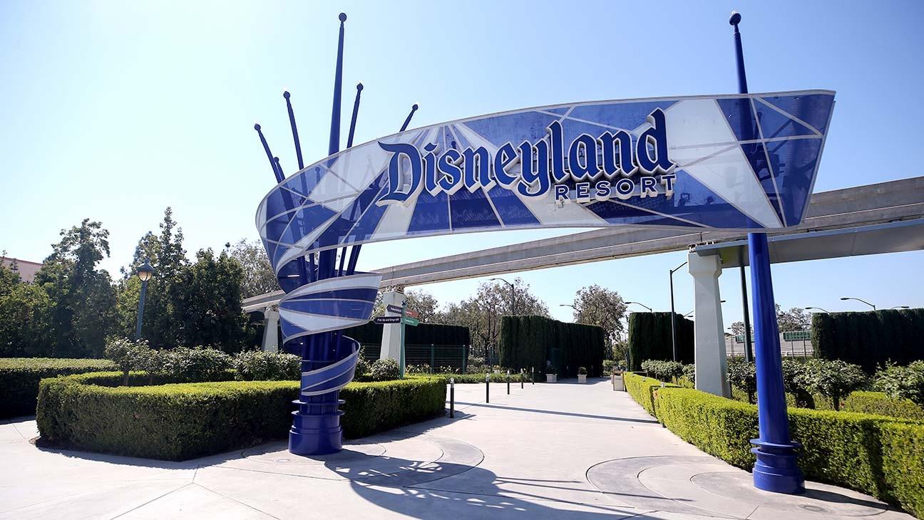 Ron Dominguez, Former EVP of Walt Disney Attractions, Dies at 85