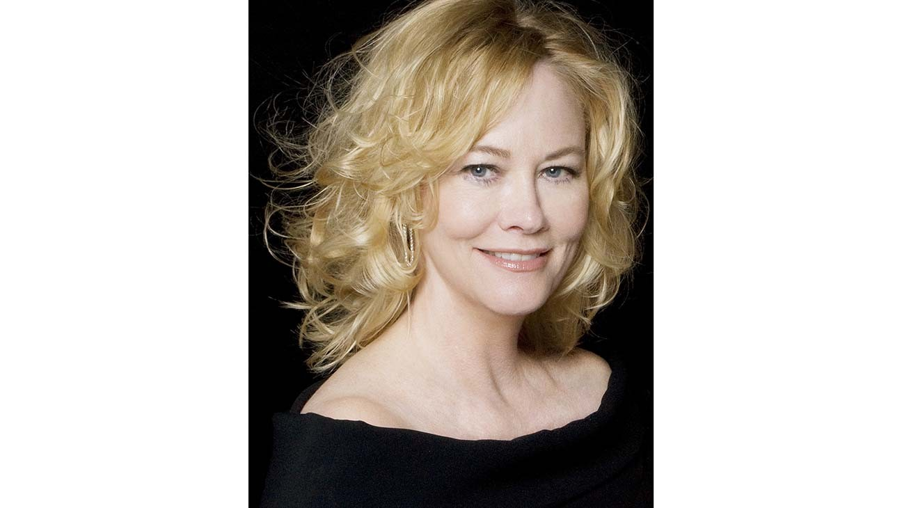 Cybill Shepherd to Star in Vanessa Bayer's Showtime Comedy