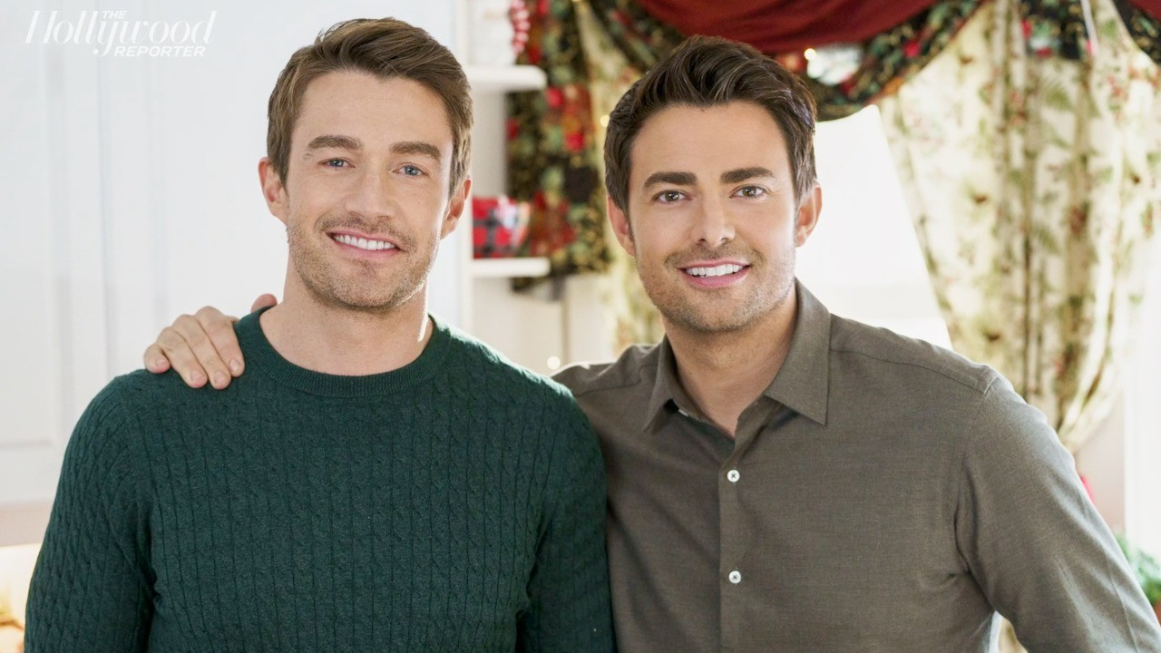 'The Christmas House' Stars Robert Buckley, Jonathan Bennett On Hallmark Channel's First LGBTQ+ Storyline | THR Interviews