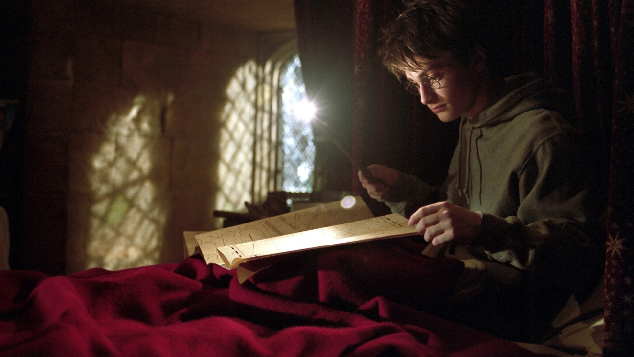 Daniel Radcliffe Explains Why He Broke So Many Wands on 'Harry Potter' Series