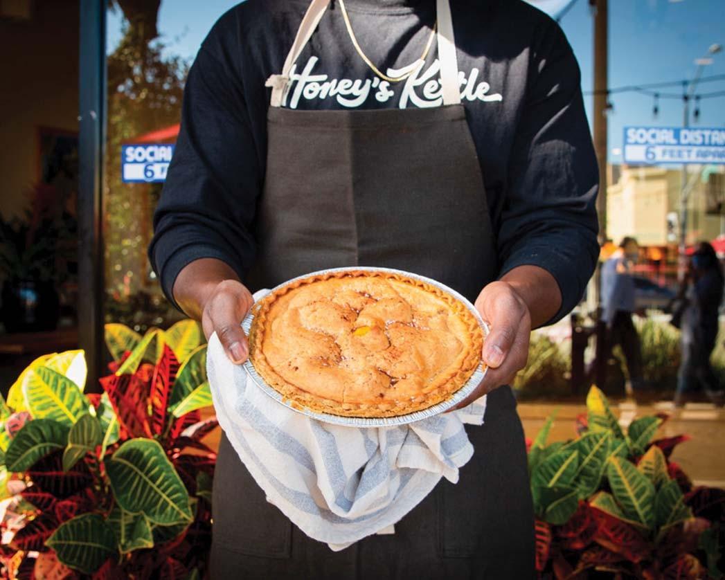 Ein Pfirsichkuchen bei Honey's Kettle in Culver City.