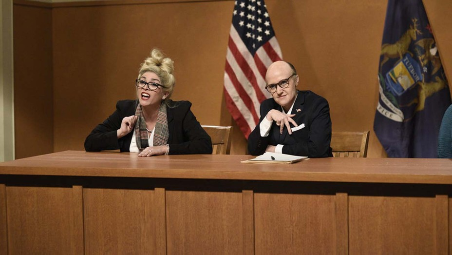 "Cecily Strong as witness Melissa Carone and Kate McKinnon as Rudy Giuliani during the ""Michigan Hearings"" 'SNL' Cold Open"