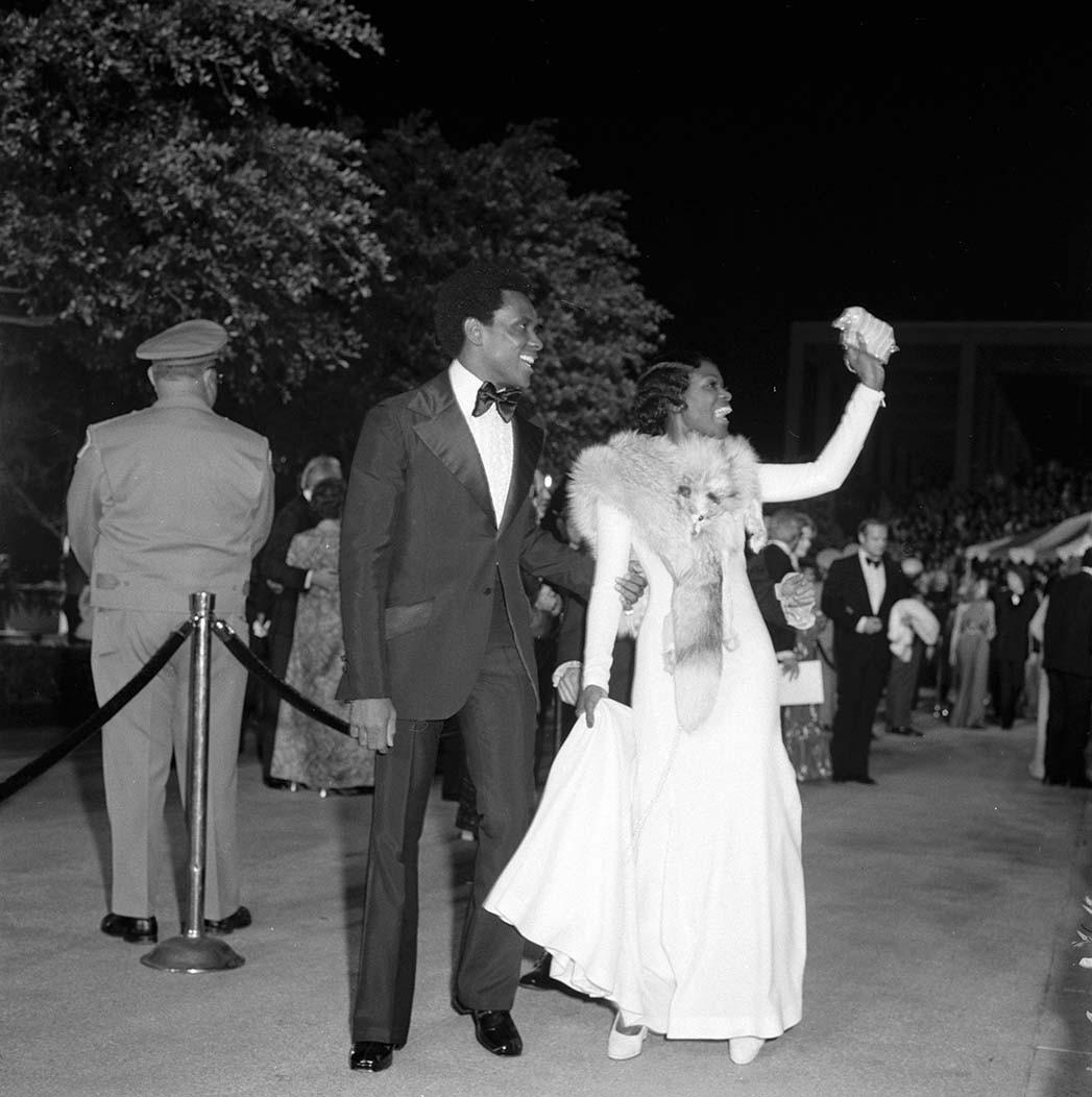 Cicely Tyson bei den Oscars 1973 mit Arthur Mitchell.