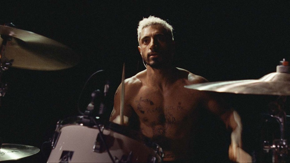 Riz Ahmed learned to play the drums for music scenes, recorded live in Sound of Metal.
