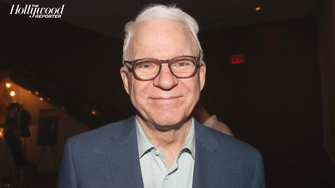 Steve Martin Gets First Round of COVID-19 Vaccination | THR News