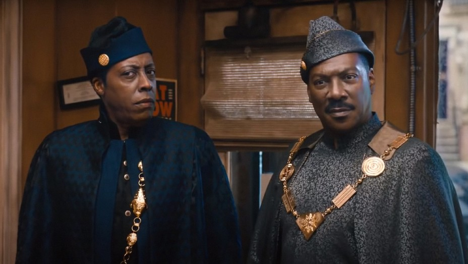 Arsenio Hall and Eddie Murphy in 'Coming 2 America' (2021).