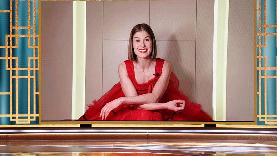 Golden Globe Awards Show Rosamund Pike