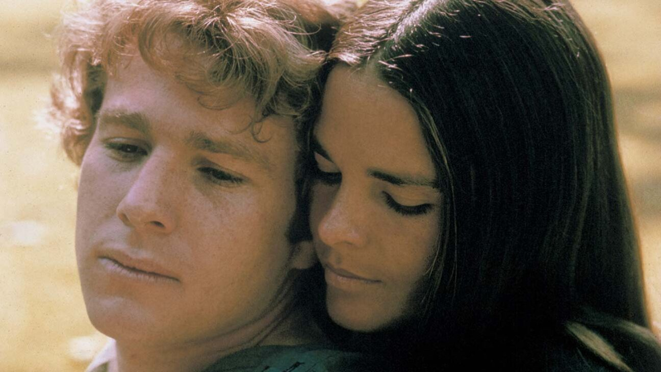 Hollywood Flashback: 'Love Story' Stars Ali MacGraw and Ryan O'Neal Look Back on Film Amid 50th Anniversary