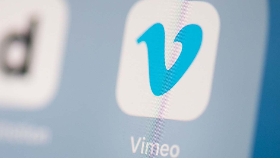 Vimeo logo application