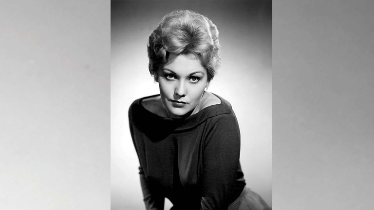 """""""What I Want Out of Life Is to Be Loved"""": Kim Novak on Healing After Leaving Hollywood"""
