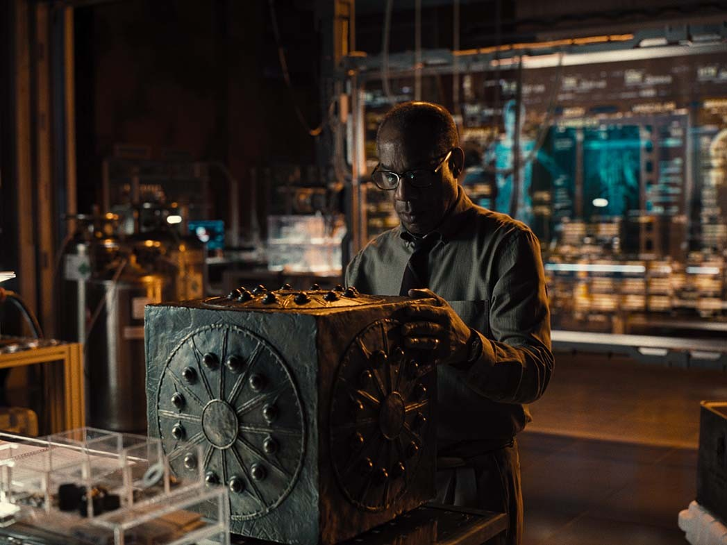 Why 'Justice League' Star Joe Morton Thinks Fans Should Have More of a Say