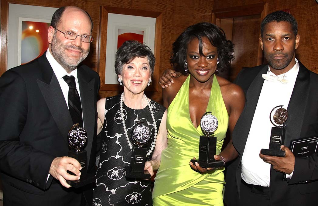 Rudin, Carole Shorenstein Hays, Viola Davis and Denzel Washington at the Tony Awards in 2010 in NYC.