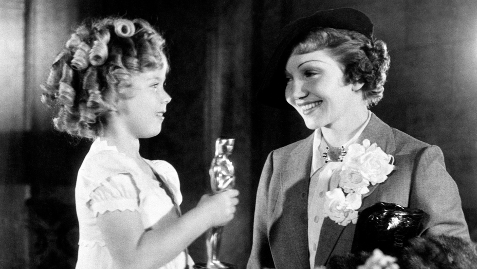 Shirley Temple and Claudette Colbert at the 1934 Academy Awards.